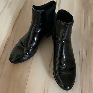 ALDO Classic Chelsea shiny Ankle Boots,  8.5